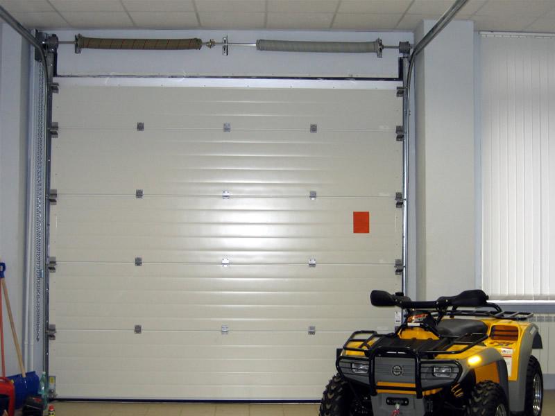 секционные ворота для гаража в екатеринбурге alutec